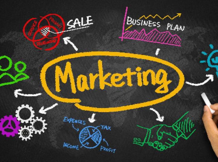 Marketing munkatárs