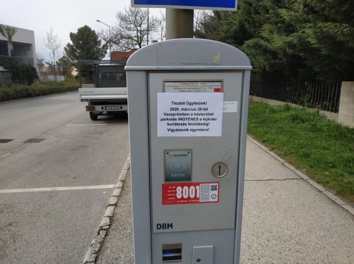Nem kell fizetni a parkolásért Veszprémben